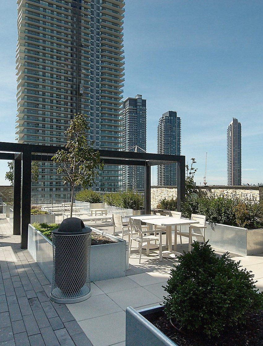 59-annie-craig-dr-toronto-ocean-club-waterfront-condos-etobicoke-condos-humber-bay-condos-lakeshore-parklawn-condos-rooftop-terrace-outdoor-terrace-bbq