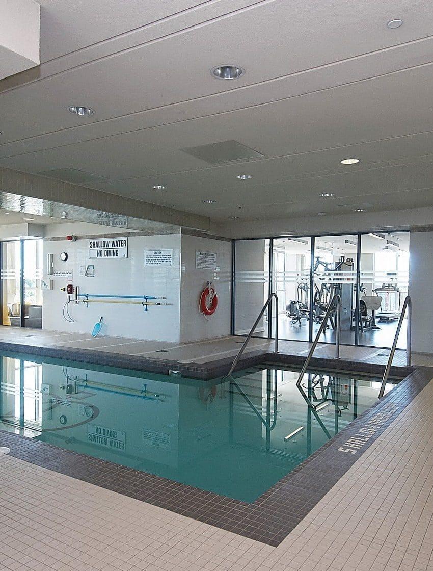 59-annie-craig-dr-toronto-ocean-club-waterfront-condos-etobicoke-condos-humber-bay-condos-lakeshore-parklawn-condos-swimming-pool