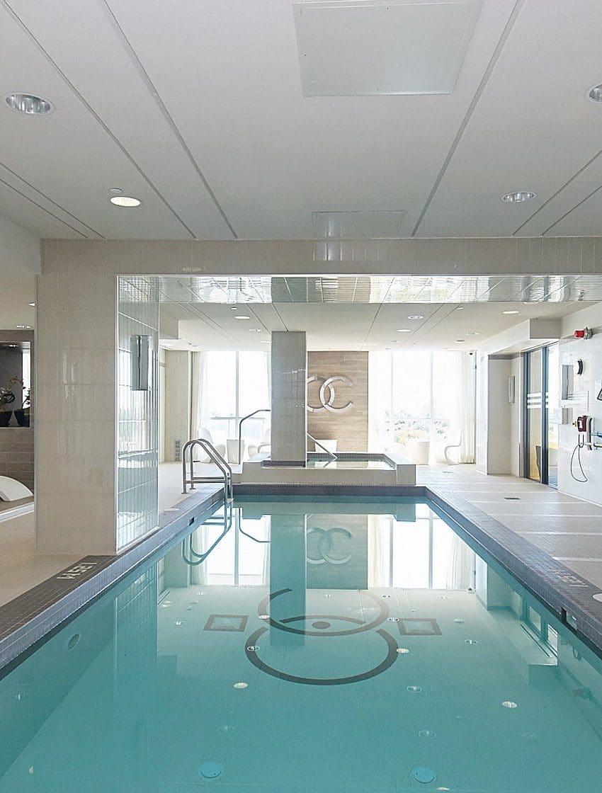 59-annie-craig-dr-toronto-ocean-club-waterfront-condos-etobicoke-condos-humber-bay-condos-lakeshore-parklawn-condos-swimming-pool-amenities