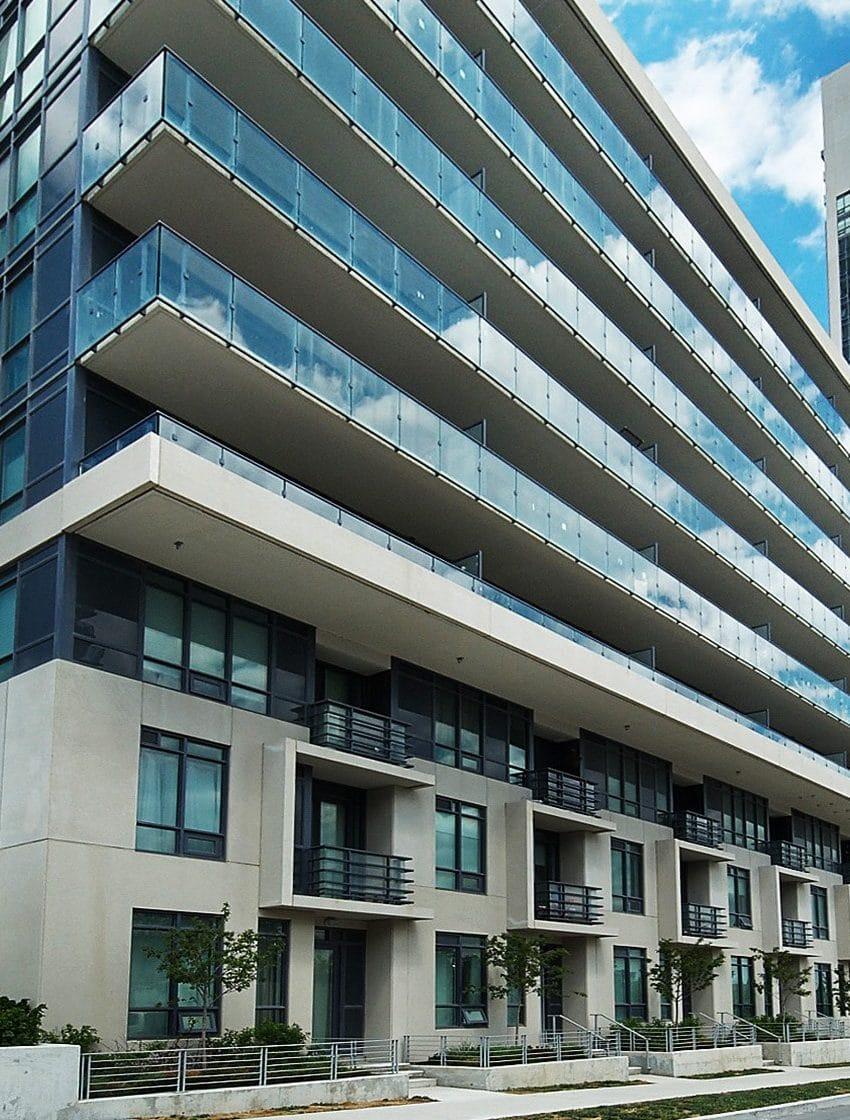 60-annie-craig-dr-toronto-ocean-club-waterfront-condos-tower-ii-etobicoke-condos-humber-bay-condos