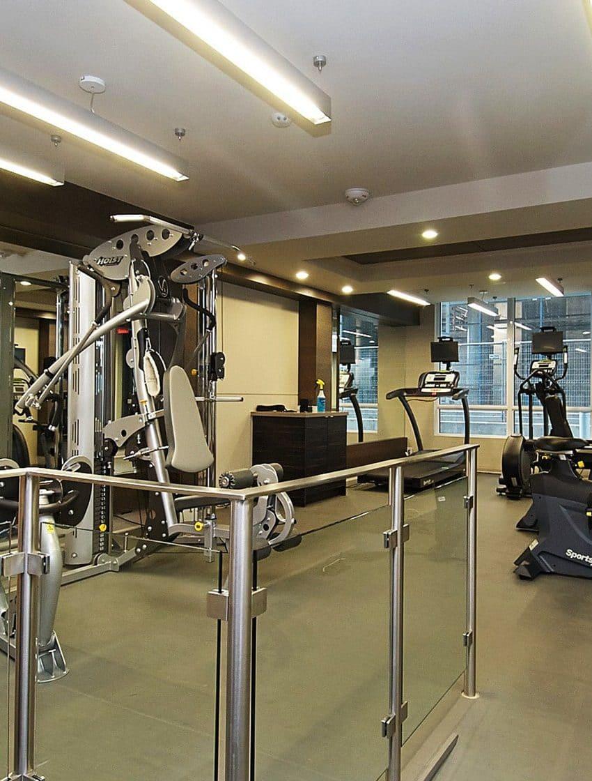60-annie-craig-dr-toronto-ocean-club-waterfront-condos-tower-ii-etobicoke-condos-humber-bay-condos-gym-fitness