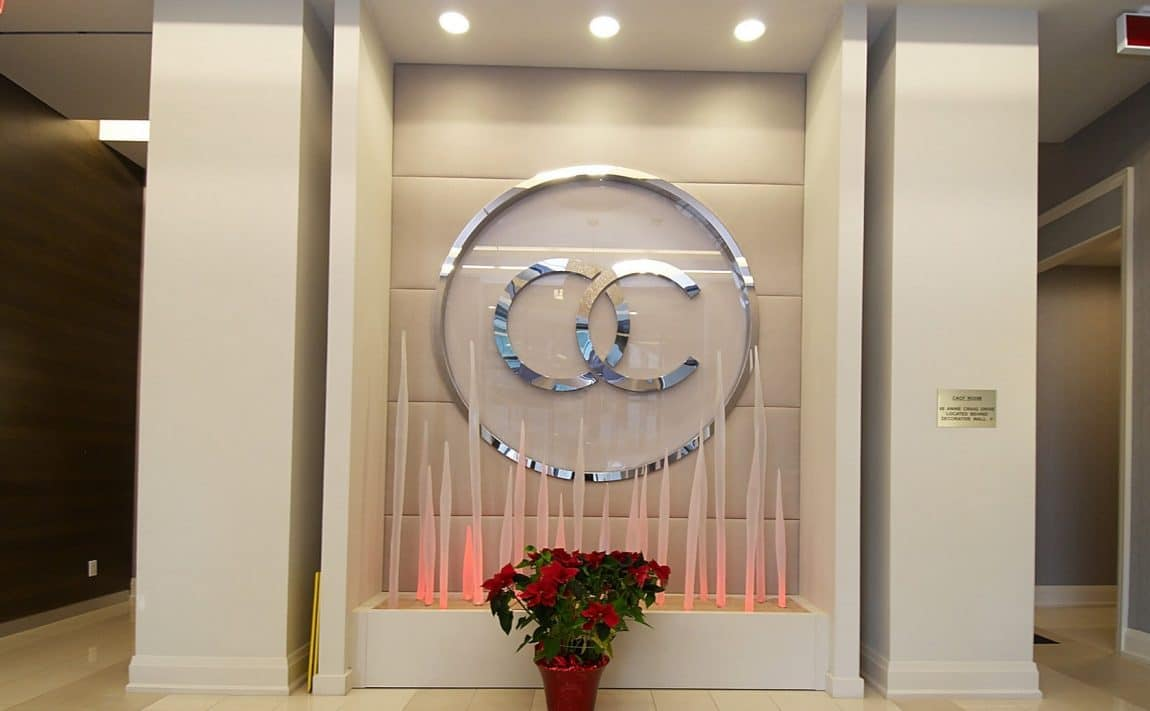 60-annie-craig-dr-toronto-ocean-club-waterfront-condos-tower-ii-etobicoke-condos-humber-bay-condos-lakeshore-parklawn-condos-foyer-reception-concierge-lobby