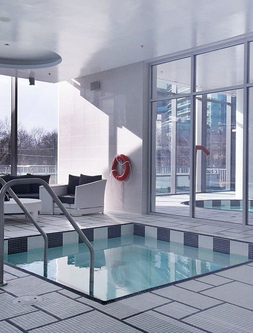 90-park-lawn-rd-88-park-lawn-rd-south-beach-condos-and-lofts-amenities-jacuzzi-hot-tub