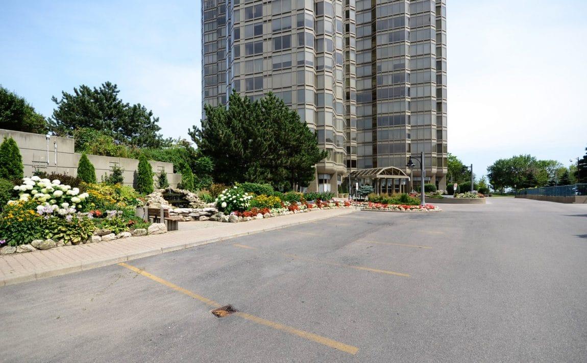 palace-place-condo-1-palace-pier-crt-toronto-park-lawn-condos-etobicoke-condos-1-palace-pier-court-humber-bay-condos