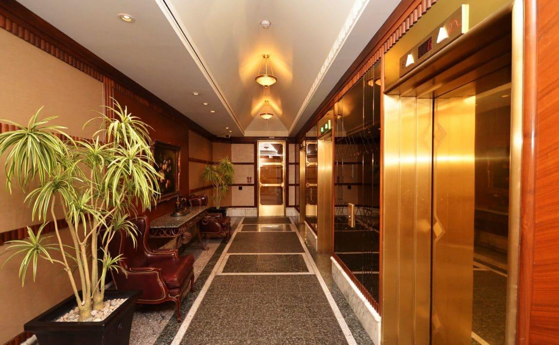 palace-place-condo-1-palace-pier-crt-toronto-park-lawn-condos-etobicoke-condos-1-palace-pier-court-humber-bay-condos-entrance-re (4)