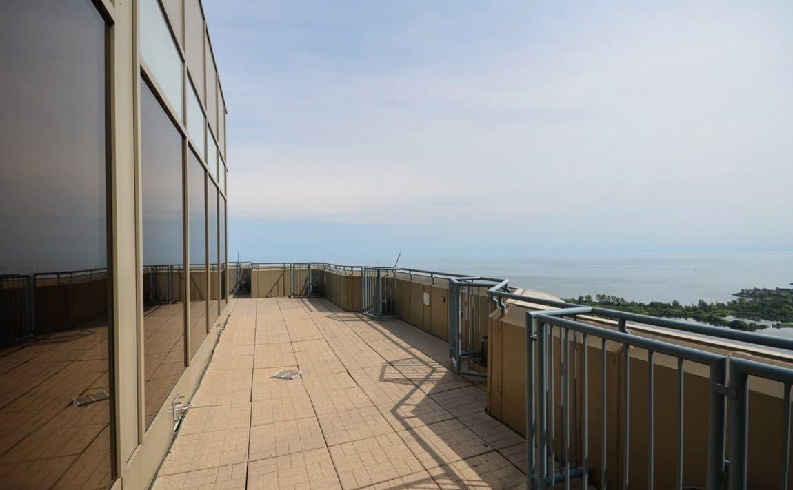 palace-place-condo-1-palace-pier-crt-toronto-park-lawn-condos-etobicoke-condos-1-palace-pier-court-humber-bay-condos-rooftop-par (2)
