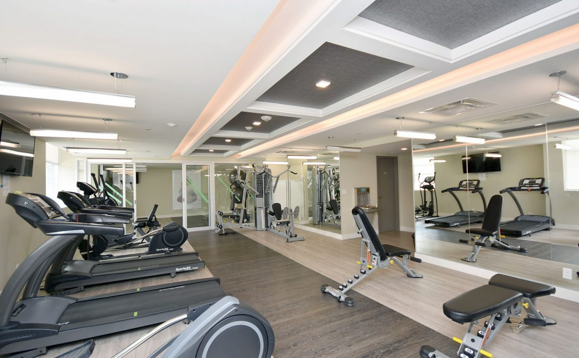 1575-lakeshore-rd-w-craftsman-condos-for-sale-gym-2