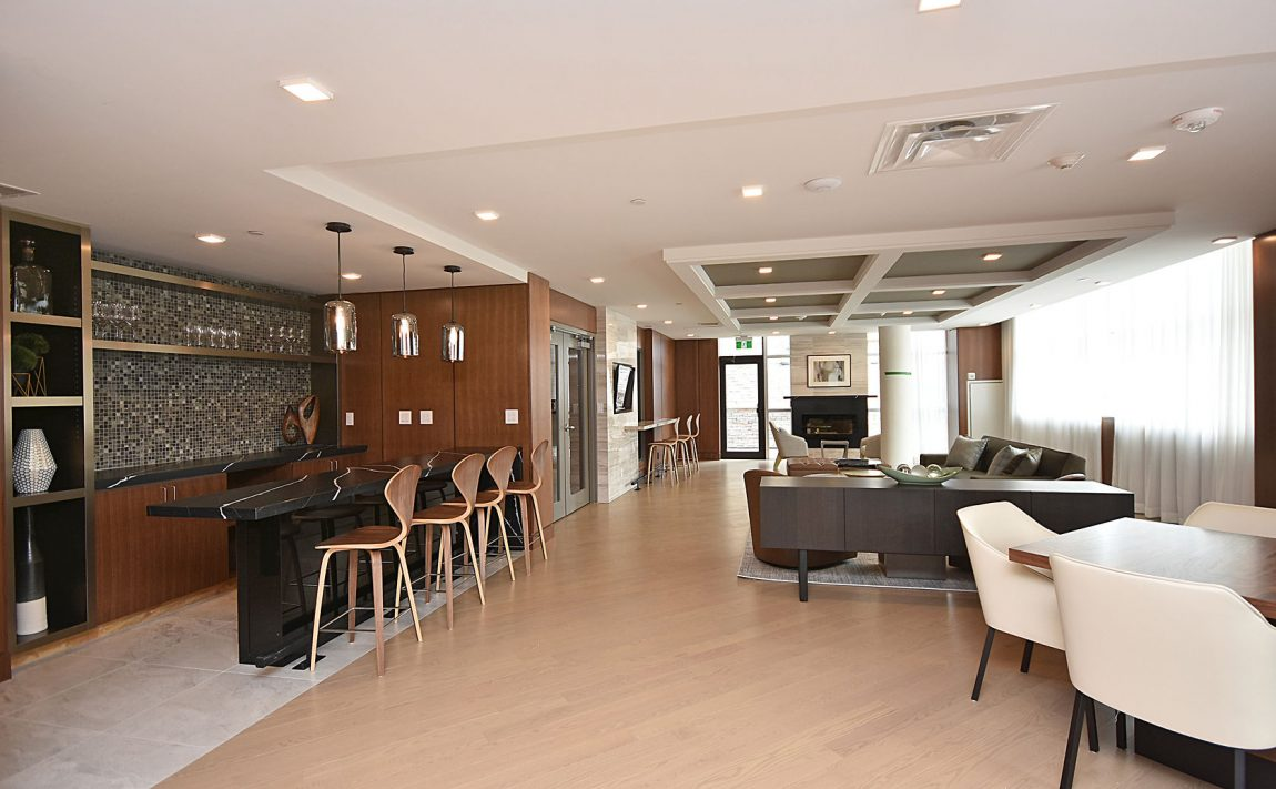 1575-lakeshore-rd-w-craftsman-condos-for-sale-party-room
