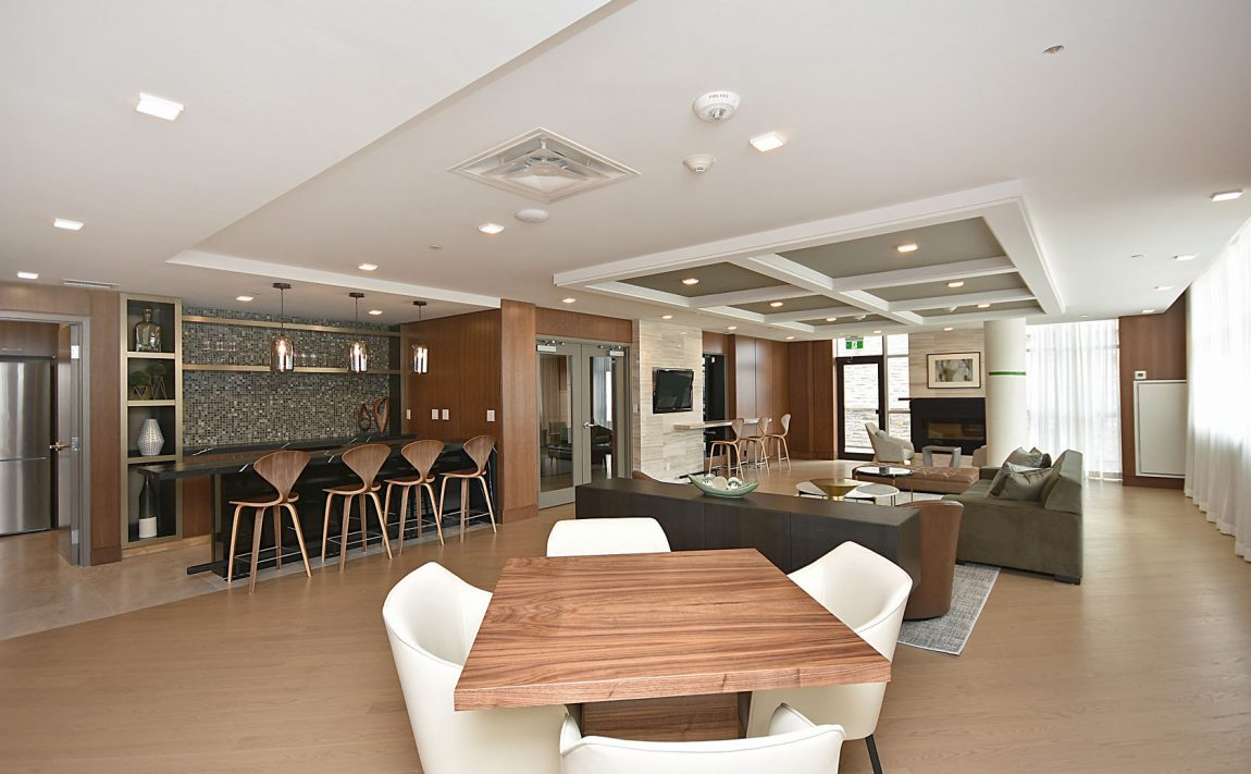 1575-lakeshore-rd-w-craftsman-condos-for-sale-party-room-2