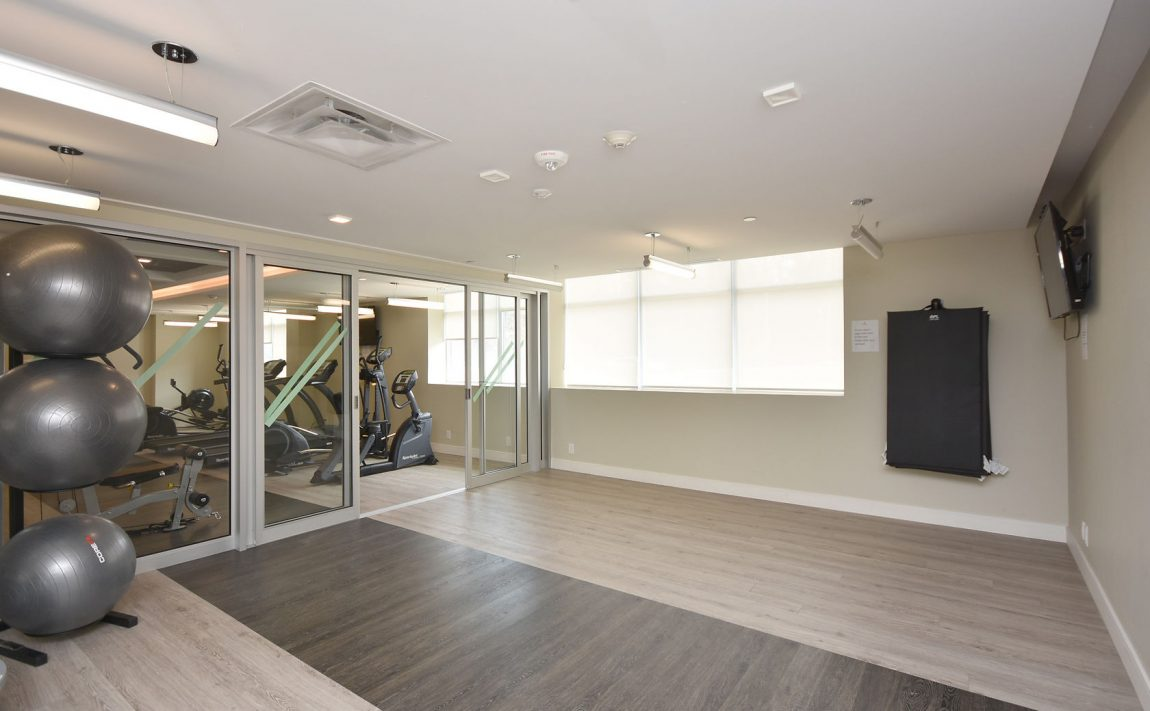 1575-lakeshore-rd-w-craftsman-condos-for-sale-yoga-studio-2