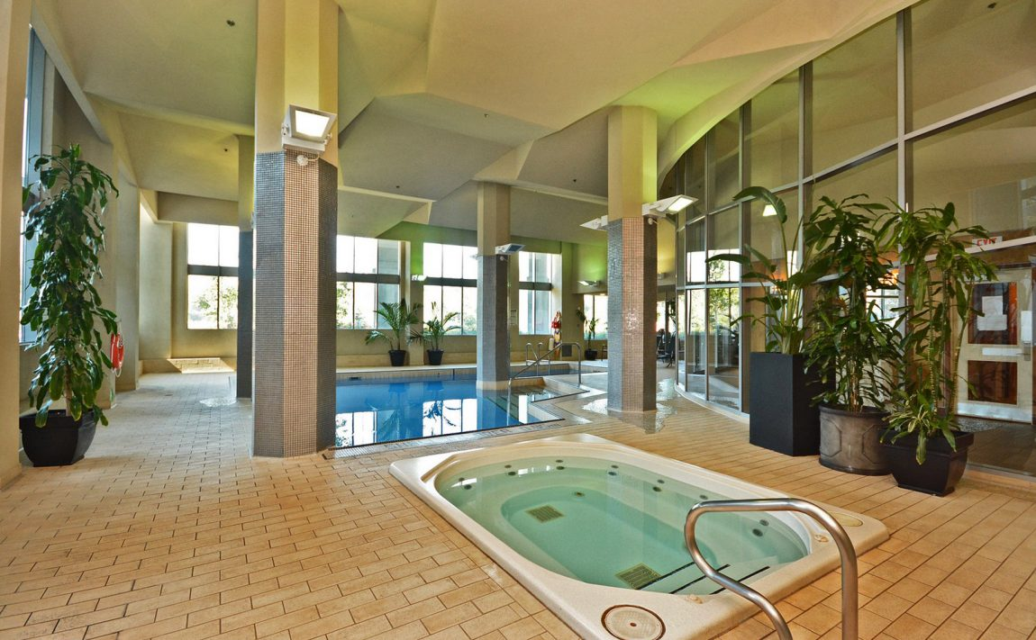 2121-lakeshoreblvd-w-toronto-voyager-i-at-waterview-condos-etobicoke-condos-parklawn-condos-mimico-condos-indoor-pool-