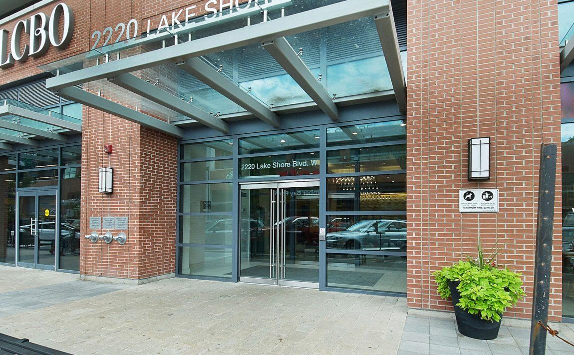 2220-lakeshore-blvd-w-2200-lakeshore-blvd-w-2212-lakeshore-blvd-w-westlake-condos-etob (4)