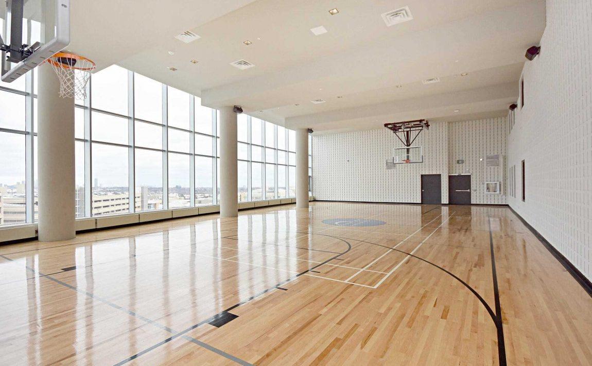 2520-eglinton-ave-w-arc-condos-erin-mills-mississauga-basketball-court
