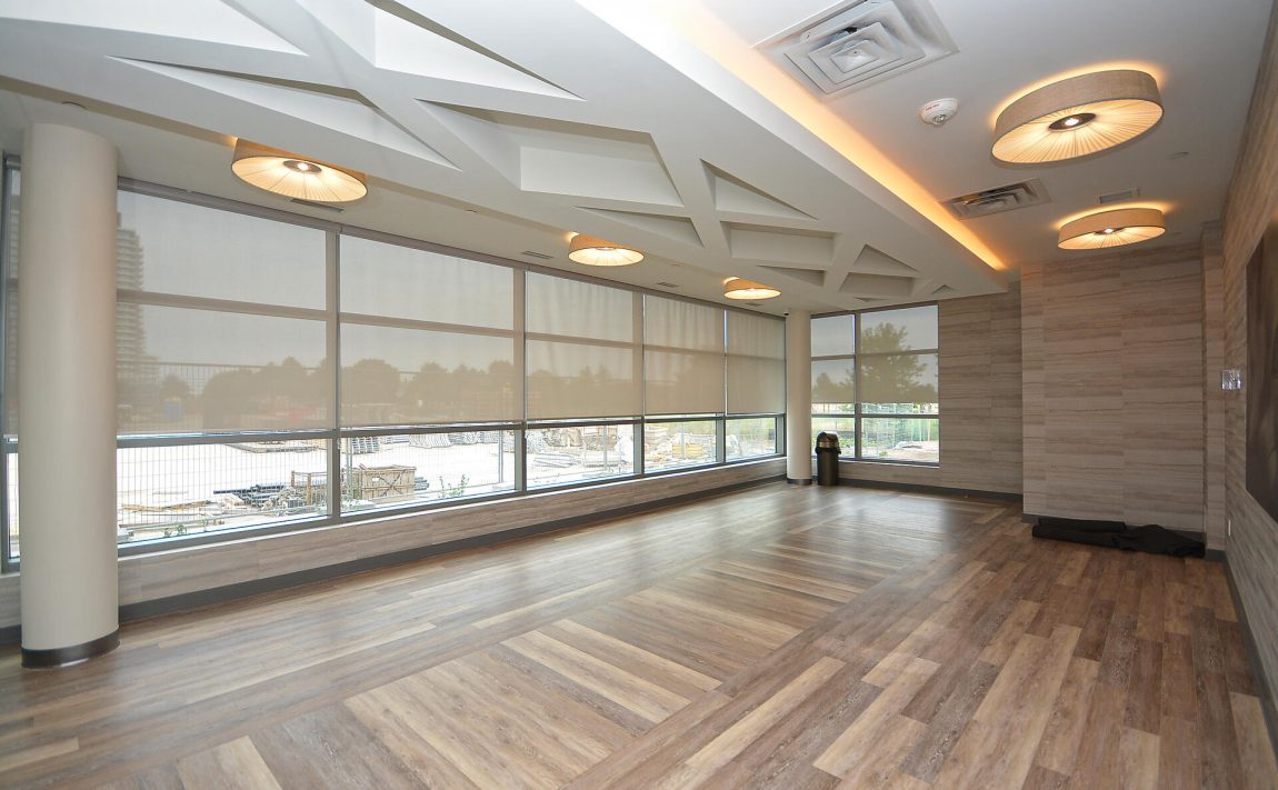 4655-glen-erin-dr-condos-downtown-erin-mills-amenities-yoga