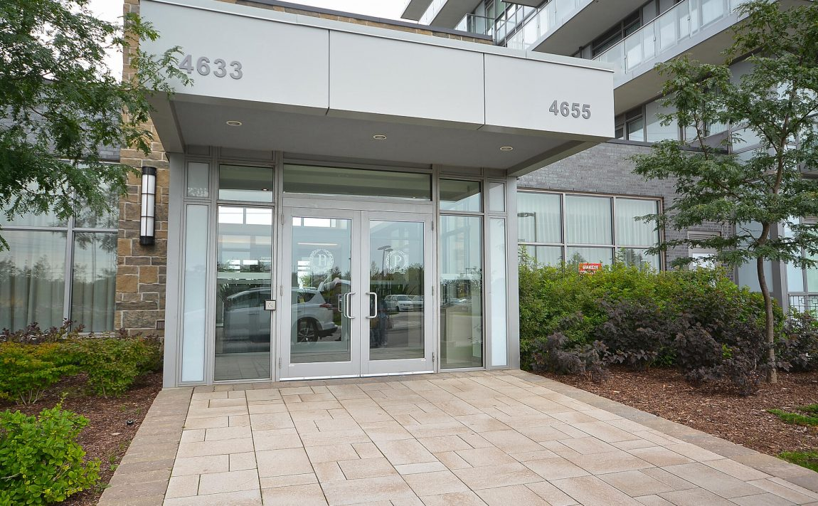 4655-glen-erin-dr-condos-downtown-erin-mills-front-door