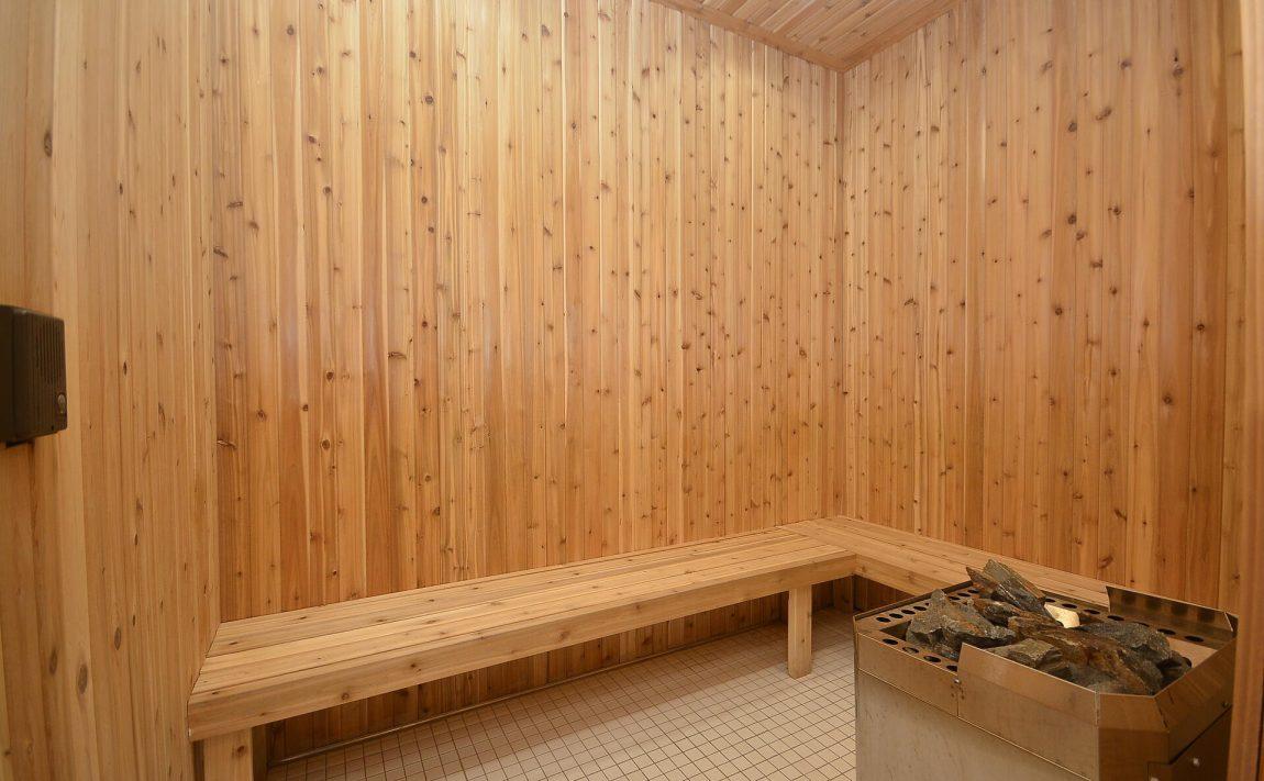 4655-glen-erin-dr-condos-downtown-erin-mills-sauna