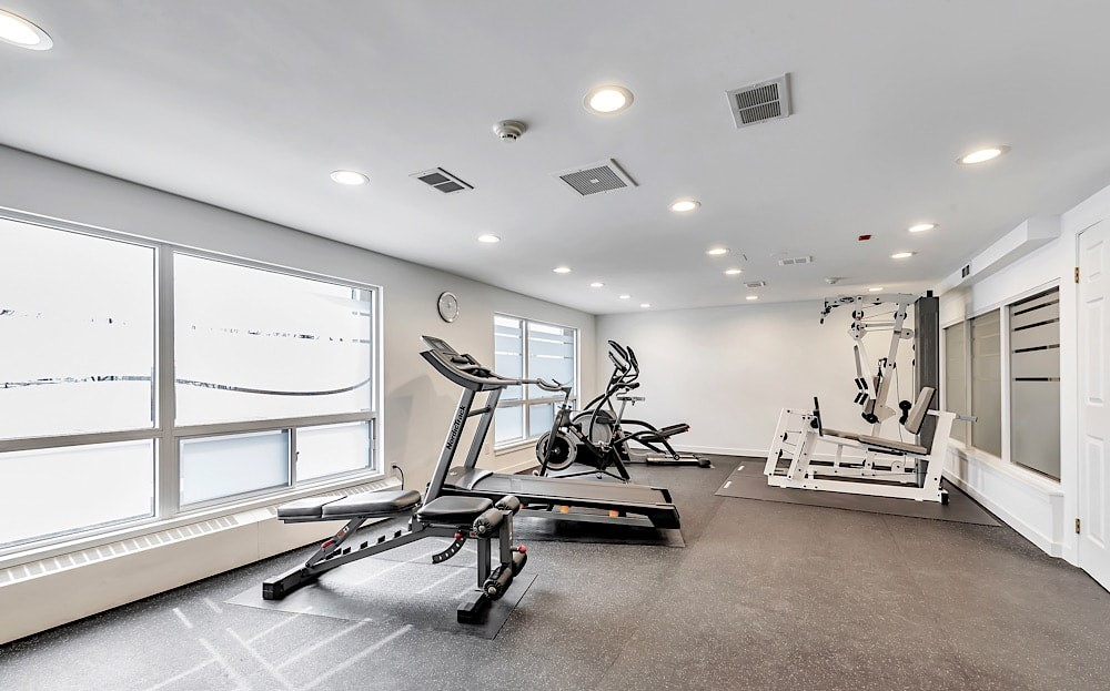 50-port-st-e-mississauga-port-credit-condos-for-sale-gym
