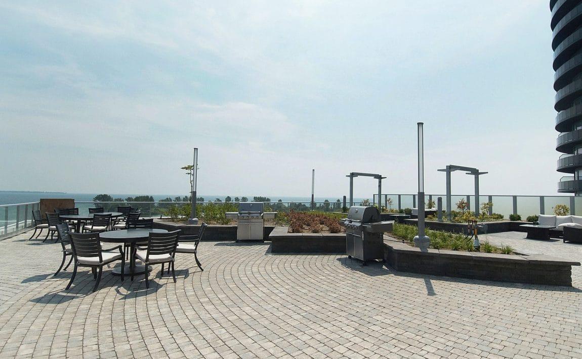 80-marine-parade-dr-waterscapes-condo-park-lawn-condos-etobicoke-condos-humber-bay-condos-lakeshore-condos-outdoor-terrace