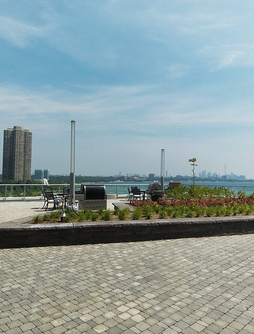 80-marine-parade-dr-waterscapes-condo-park-lawn-condos-etobicoke-condos-humber-bay-condos-lakeshore-condos-outdoor-terrace-r