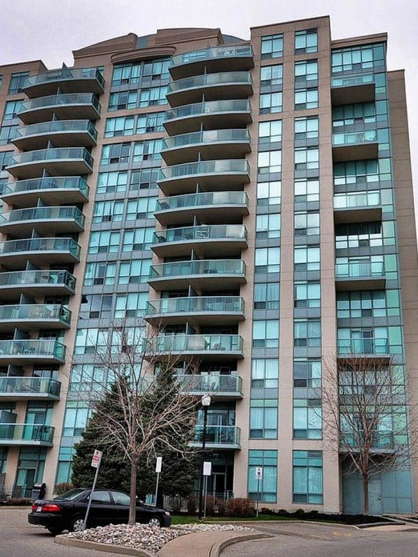 Parkway Place III - 2585 Erin Centre Blvd - Exterior View 3