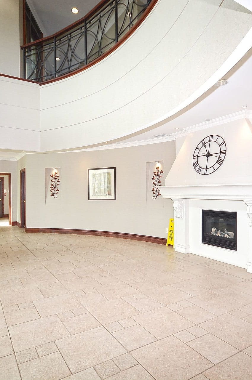 Parkway Place III - 2585 Erin Centre Blvd - Hallway