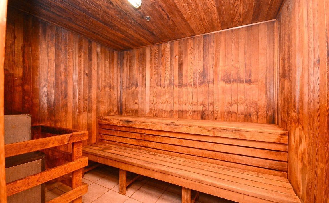 Parkway Place III - 2585 Erin Centre Blvd - Sauna