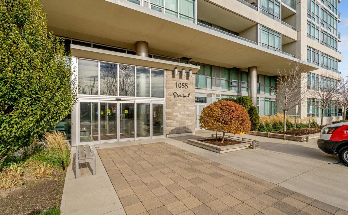 Stonebrook Condominiums-1055 Southdown Rd-Exterior2