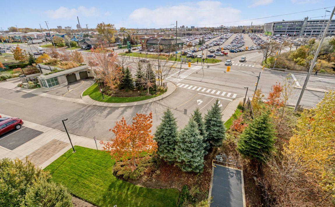 Stonebrook Condominiums-1055 Southdown Rd-Parking