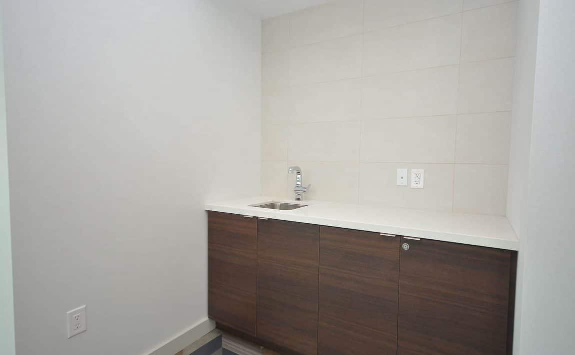 West Tower - 2560 Eglinton Ave W - Faucet