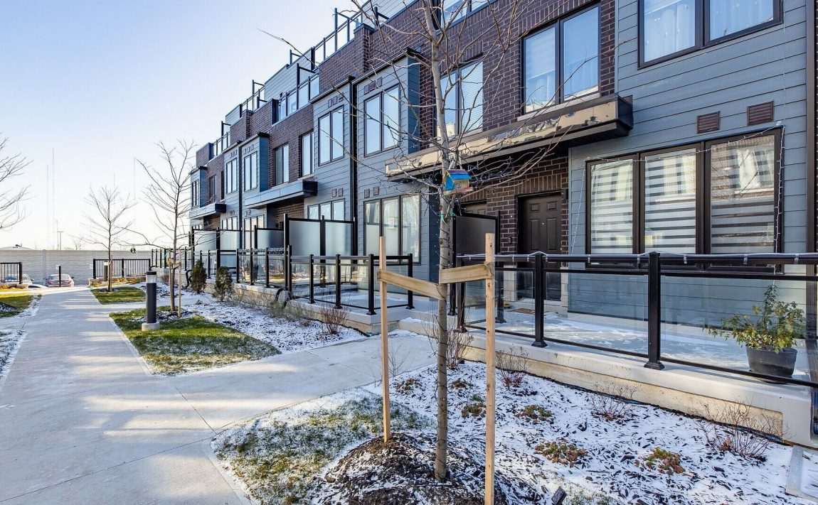southdown-towns-bromsgrove-rd-clarkson-townhomes-for-sale