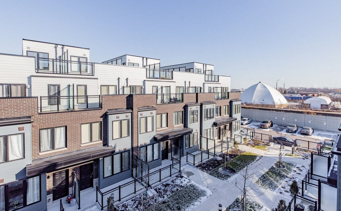 southdown-towns-mcnab-ave-clarkson-townhomes