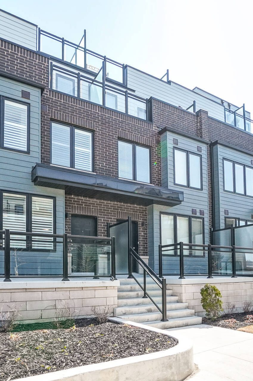 southdown-towns-mcnab-ave-clarkson-townhomes-for-sale