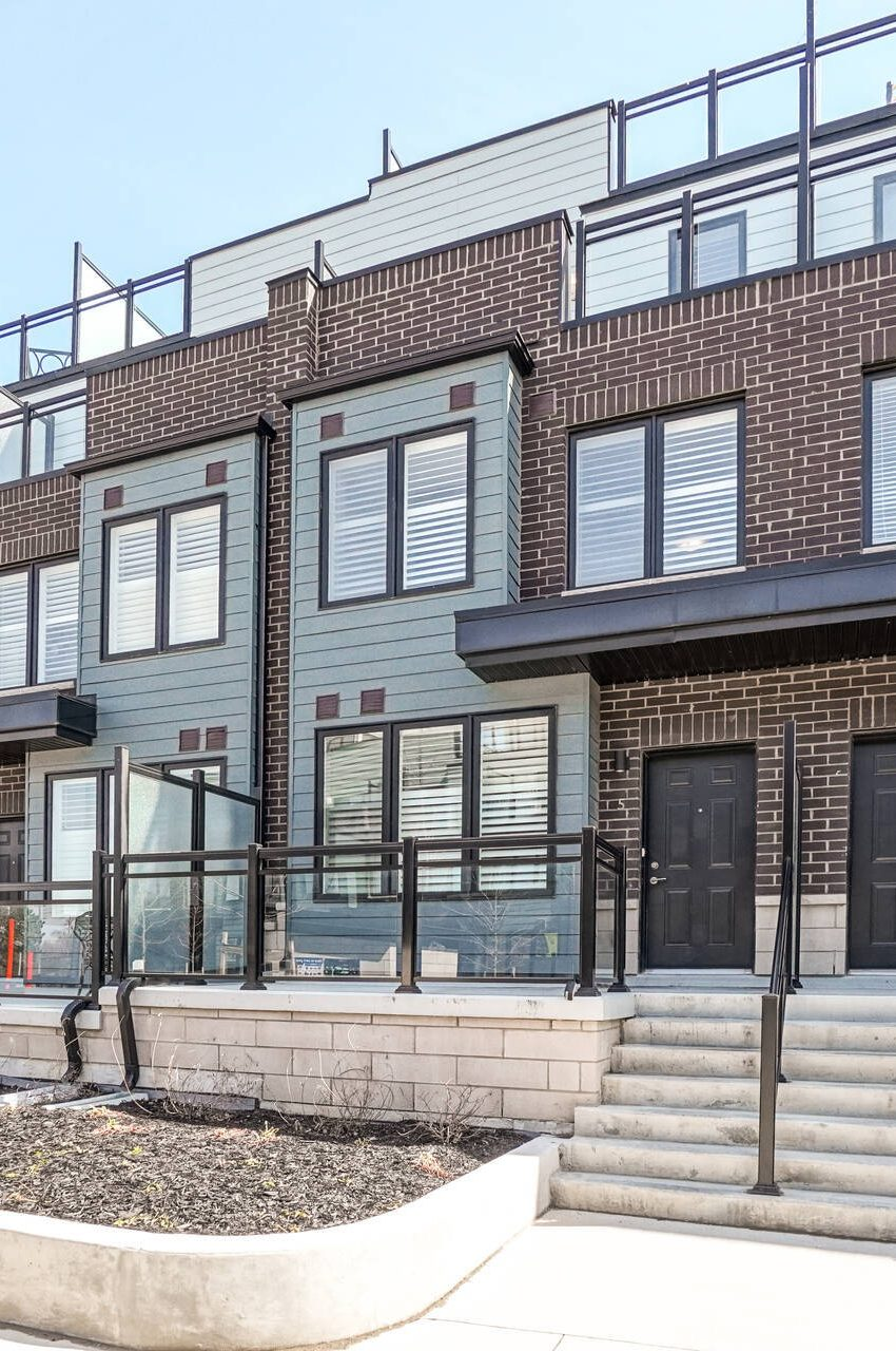 southdown-towns-stroud-lane-mississauga-clarkson-townhomes-for-sale