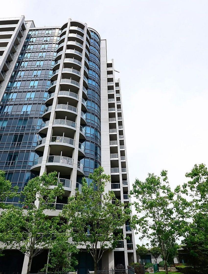 waterford-towers-condos-2083-lakeshore-2087-lakeshore-2095-lakeshore-park-lawn-condos (13)
