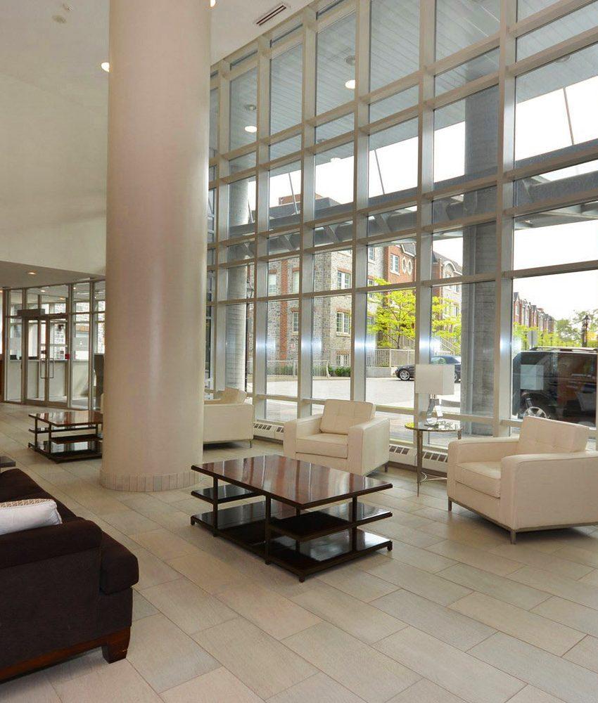windermere-by-the-lake-condo-15-windermere-ave-toronto-etobicoke-condos-mimico-condos-entrance-foyer-reception-concierge-waiting-ar