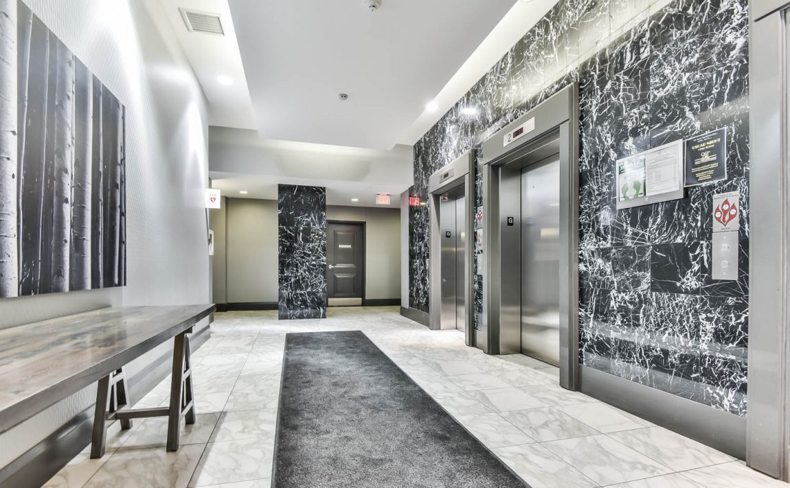 125-western-battery-rd-condos-for-sale-toronto-elevator-lobby