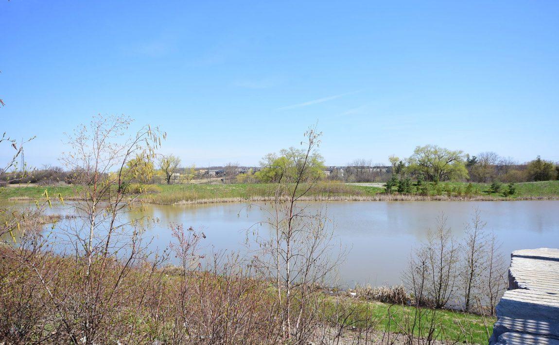 150-sabina-dr-oakville-condos-for-sale-trafalgar-landing-area-parks-3