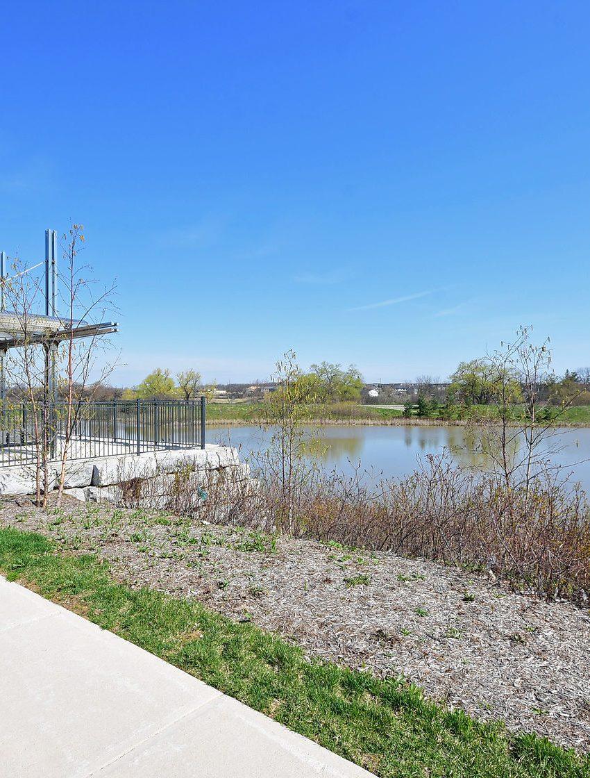 150-sabina-dr-oakville-condos-for-sale-trafalgar-landing-area-parks