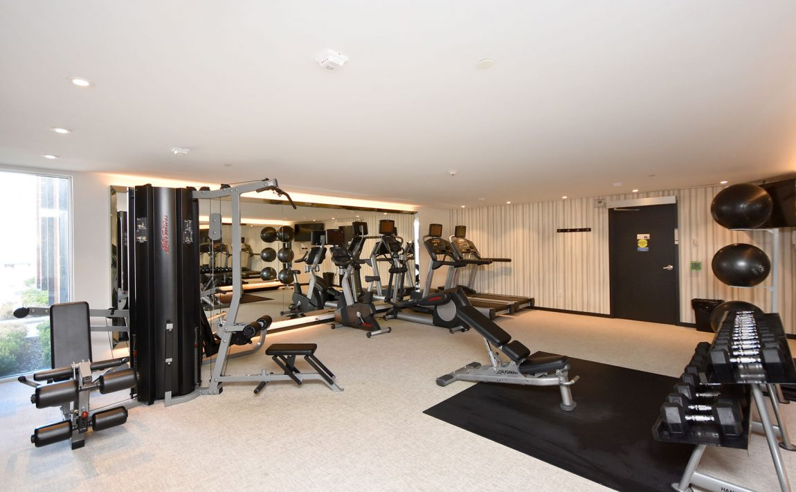 150-sabina-dr-oakville-condos-for-sale-trafalgar-landing-gym