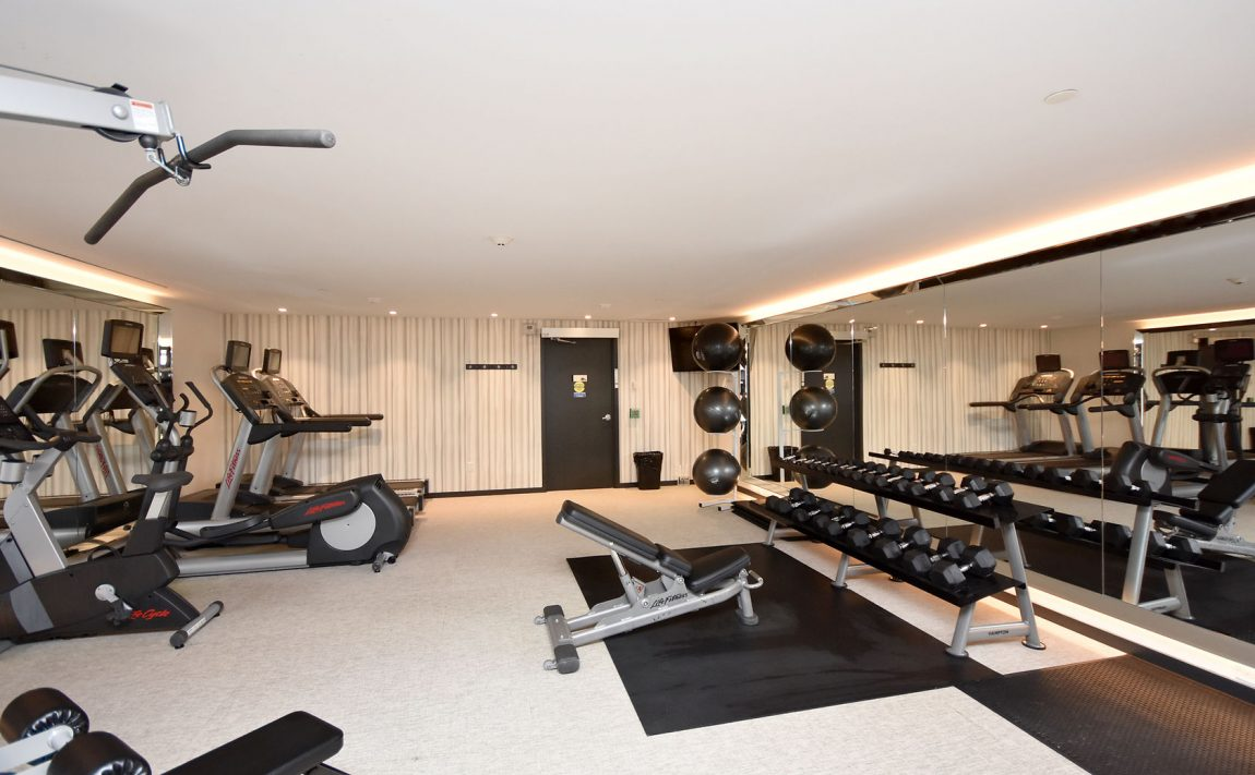 150-sabina-dr-oakville-condos-for-sale-trafalgar-landing-gym-2