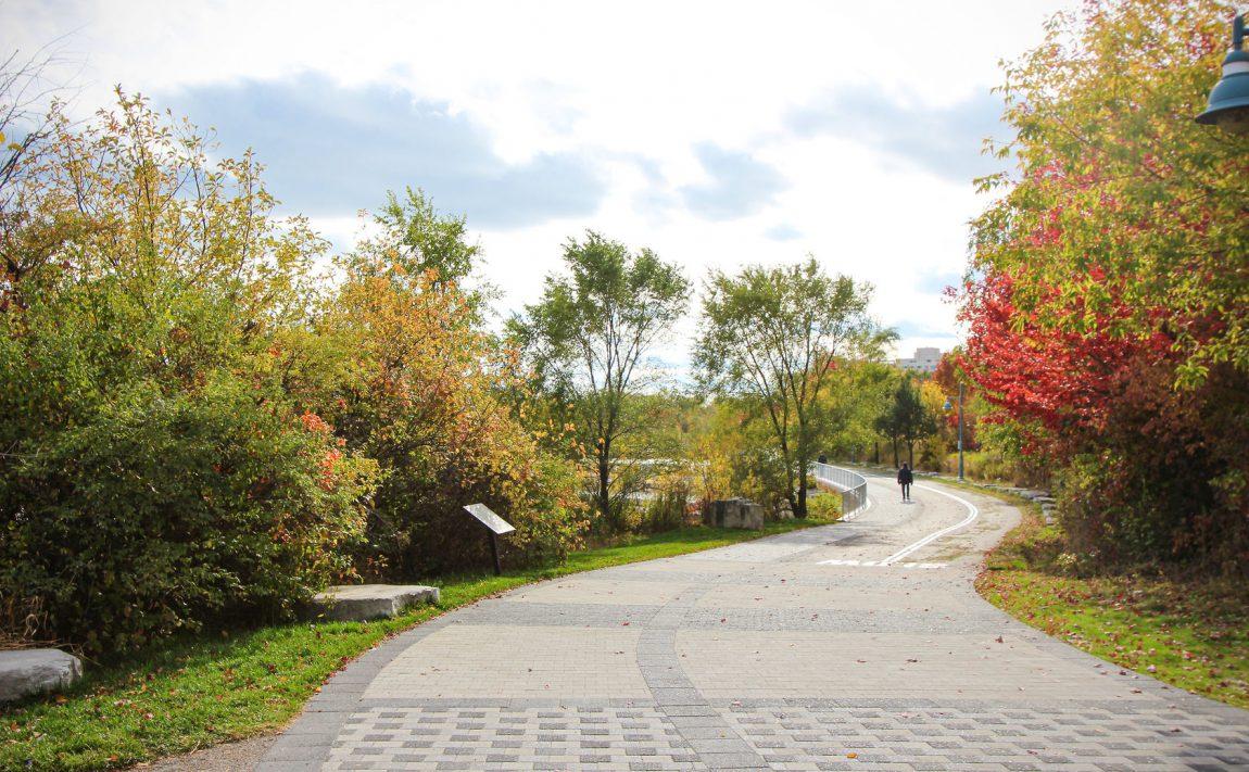 20-shore-breeze-dr-30-shore-breeze-dr-eau-du-soleil-condos-bike-paths
