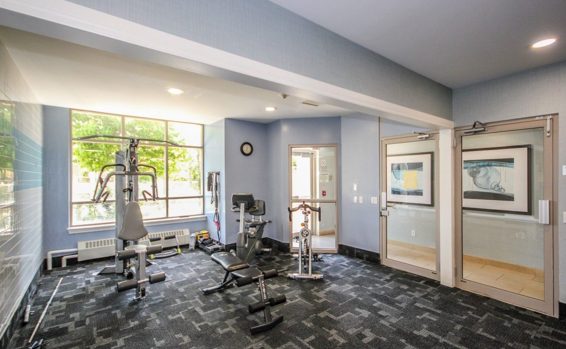 2325-central-park-dr-oakville-condos-for-sale-one-oak-park-ii-condos-gym