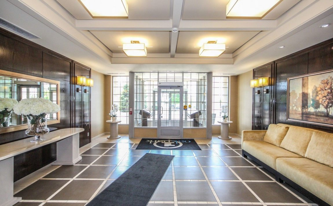 2325-central-park-dr-oakville-condos-for-sale-one-oak-park-ii-condos-lobby