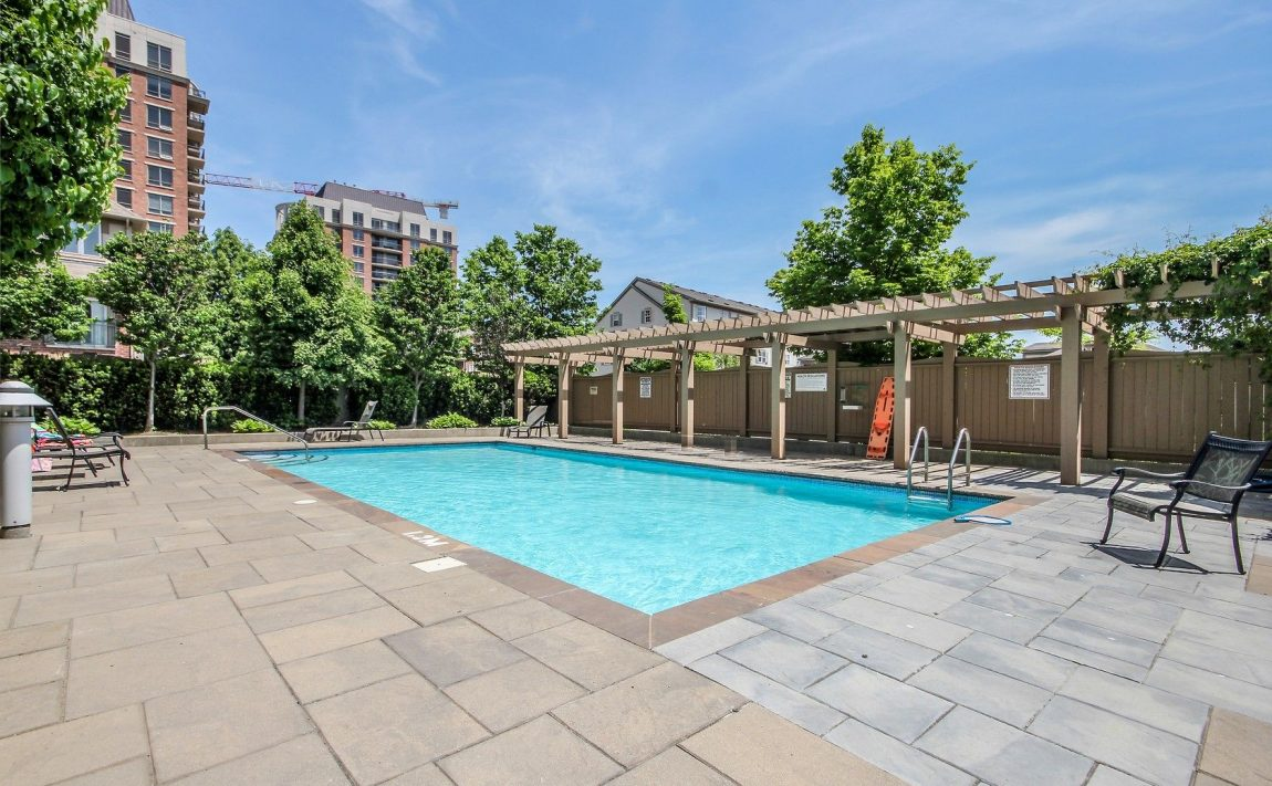 2325-central-park-dr-oakville-condos-for-sale-one-oak-park-ii-condos-outdoor-pool