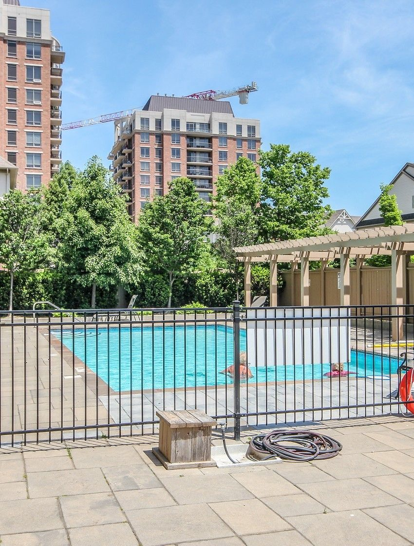 2325-central-park-dr-oakville-condos-for-sale-one-oak-park-ii-condos-outdoor-pool-2
