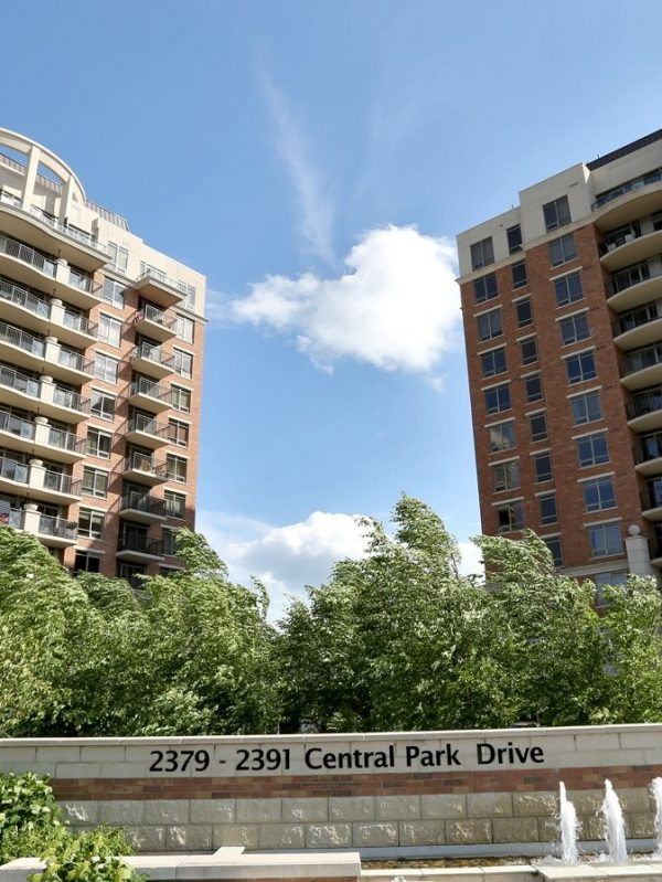 2391-central-park-dr-oakville-condos-for-sale-courtyard-residences-condos