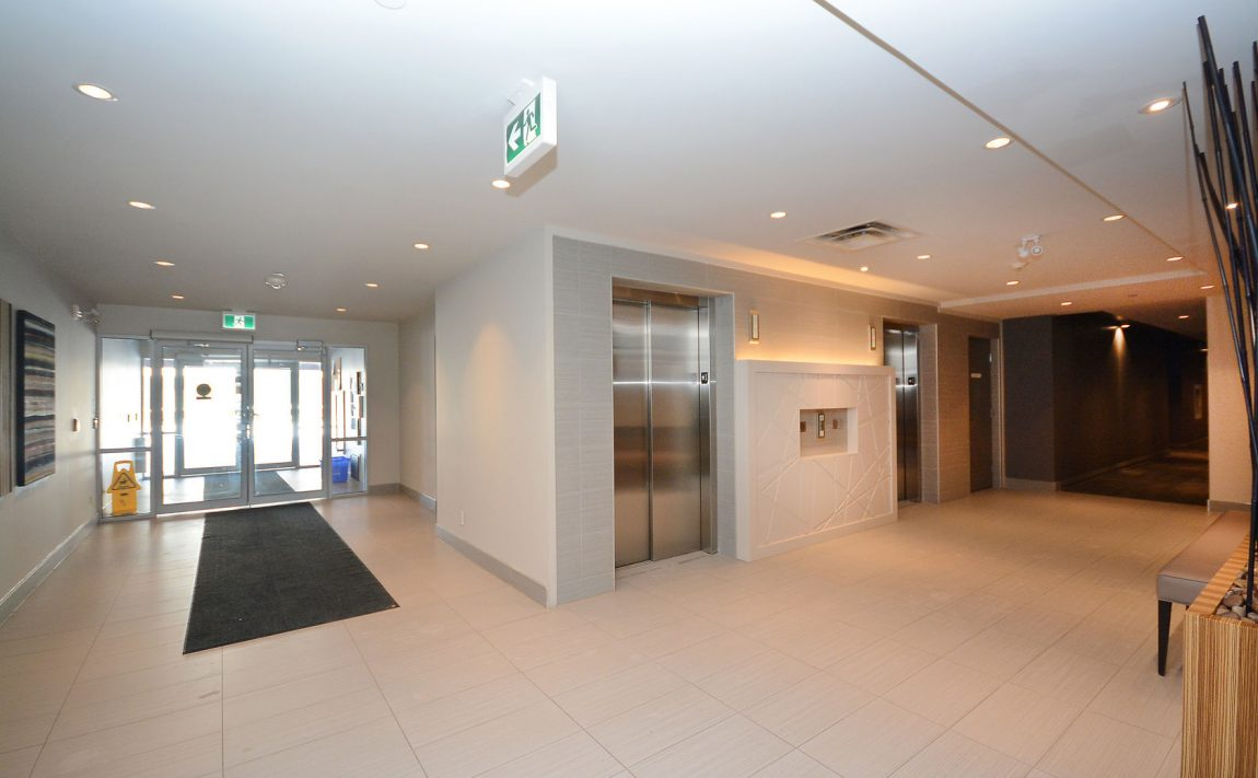 3028-creekshore-commons-oakville-condos-for-sale-elevator-lobby