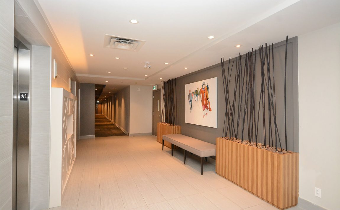 3028-creekshore-commons-oakville-condos-for-sale-elevator-lobby-2