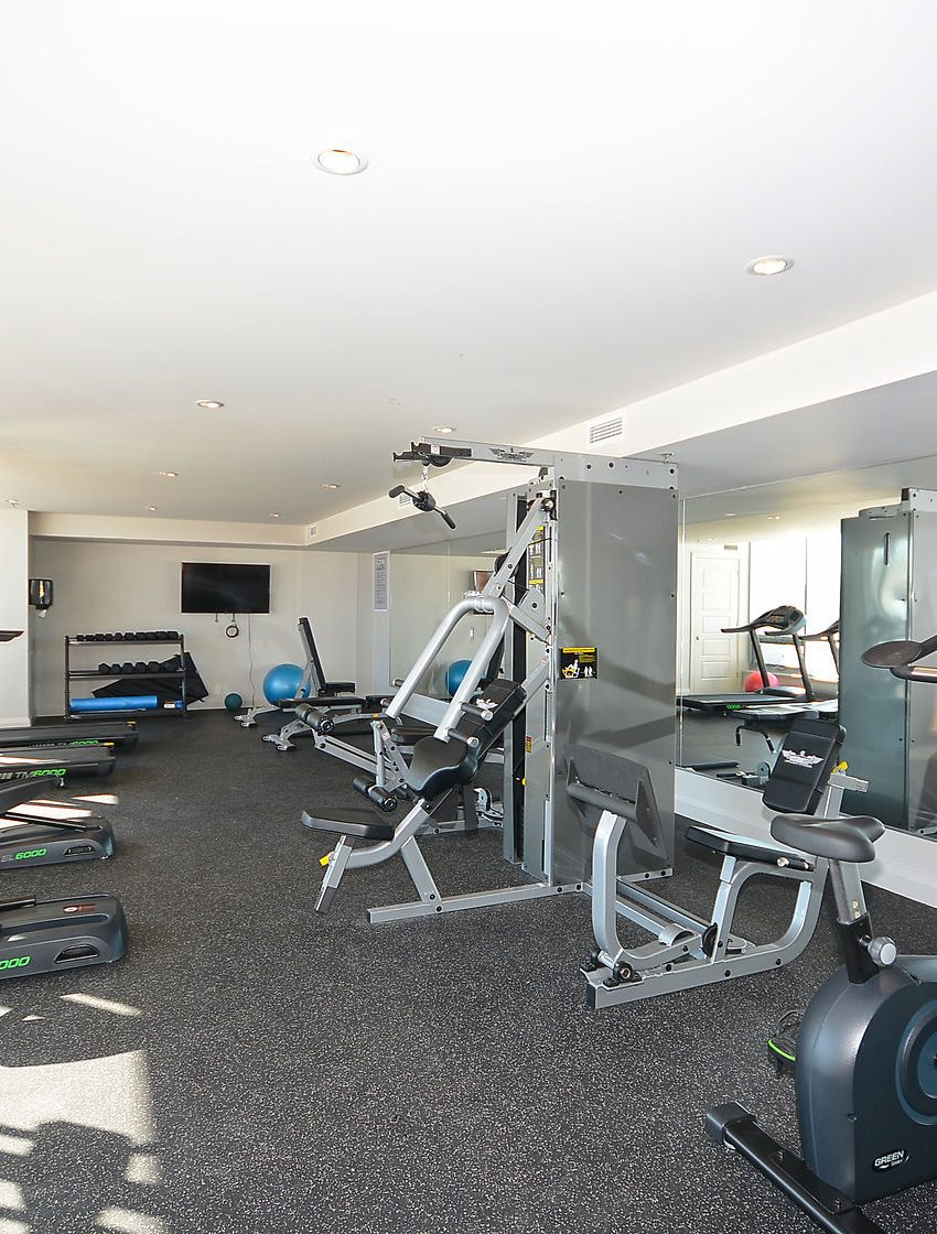 3028-creekshore-commons-oakville-condos-for-sale-gym-2