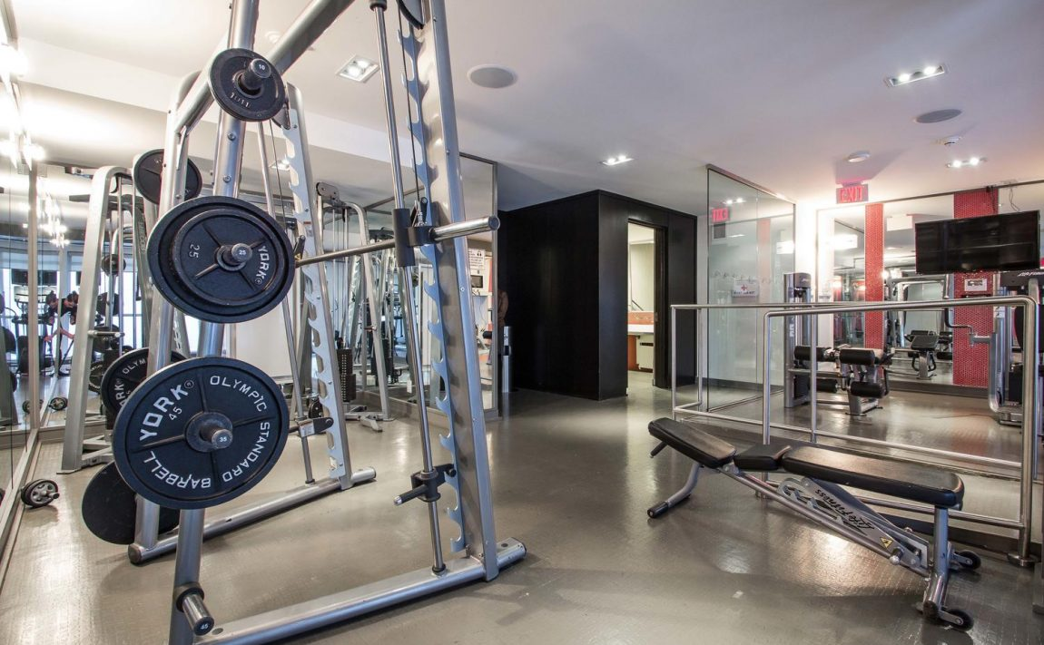 5-hanna-ave-toronto-lofts-for-sale-liberty-market-lofts-amenities-gym-2